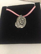 Charles II R28 colgante de estaño en un Collar De Cordón Rosa