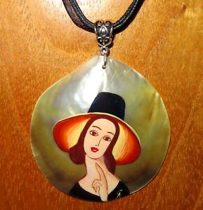 Pendant A. Modigliani Jeanne Hebuterne in Large Hat hand painted shell signed