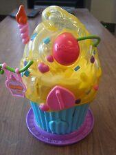"Toy Sprinkles Cupcake Gum Machine, aprox 8"" tall works (008-10)"