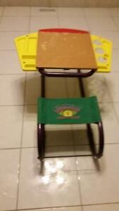Children's Art Desk with Storage by RADIO FLYER