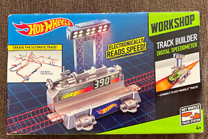 Brand New Hot Wheels Workshop Track Builder Digital Speedometer Rare Mattel