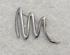 Classic Pin Brooch Wiggly Looped Linear Design Shape Silver Tone All Metal Ds-5