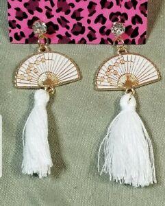 Hot White Tassel White Enamel Flower Cute Fan Betsey Johnson Women Stand Earring