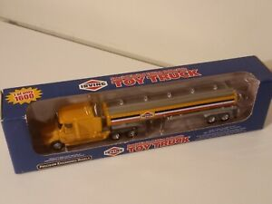 PEM. Same DCP. Irving tractor-trailer.1/64. New.