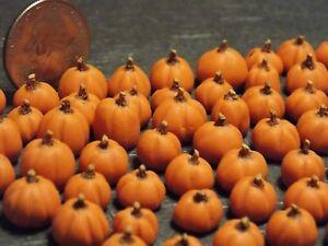 Dollhouse Miniature Fall Pumpkins Halloween!  Lot of 10 1:24 1/2 inch scale B48