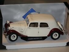 Citroen Traction 11CV 1938 beige-rot 1:18 Solido 118429 neu & OVP