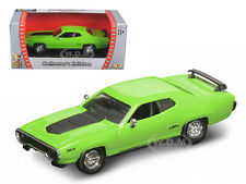 1971 PLYMOUTH GTX 440 6 PACK GREEN 1/43 DIECAST CAR BY ROAD SIGNATURE 94218