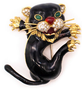 FRASCAROLO 1960 ITALY 18 KT GOLD TIGER BROOCH WITH 1.12 Ctw DIAMONDS & EMERALD