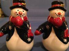 NOS RED/BLUE/WHITE SNOWMAN SALT AND PEPPER SHAKER SET
