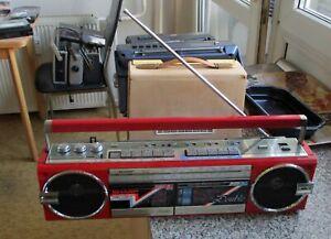 altes Radio Sharp QT77 Double Kassettenrecorder