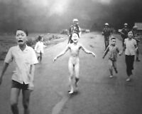 Vietnam-Napalm Strikes Young Girl in Street-Pulitzer Prize Award Winning Photo