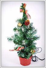 künstlicher Weihnachtsbaum mit Dekoration und Lichterkette - Weihnachtsdekoration Tannenbaum