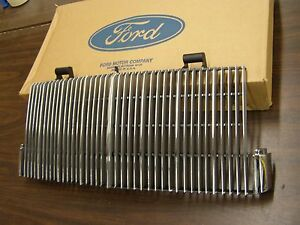 NOS OEM Ford 1984 1985 1986 1987 Lincoln Continental Mark VII 7 Grille