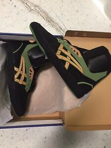 ASICS International Lyte Size 11.5 Black/Green Brand New