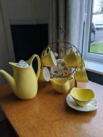 GREAT vtg 1950s MIDWINTER JESSIE TAIT SAVANNAH YELLOW TEA SET POT 6 CUPS & STAND
