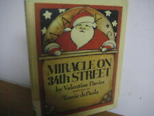 Miracle on 34th Street/ Christmas/ Tomie de paola/ hardback/1984/ Davies