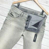 ⭐ Diesel Buster regular Slim-Tapered stretch splatter denim jeans R99J6 W31 L32
