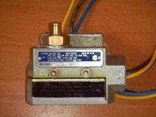 MICRO SWITCH Snap Switch BZE6-2RQ, 15A/125,250,480V 2A/600V, Pilot Duty-125VA