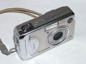 Fujifilm FinePix A Series A510 5.1 MP  -Digital Camara - Plateado