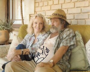 Actress HAYLEY MILLS signed 8x10 photo - In Person signing Ref47