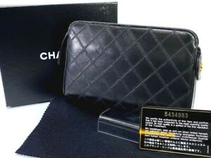 Auth CHANEL Quilted Matrasse Cosmetic Pouch Black Leather  58913489