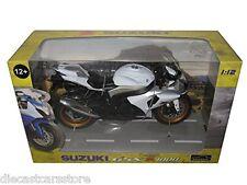 Automaxx Suzuki Gsx-R1000 Black/White 1/12 Motorcycle 600801