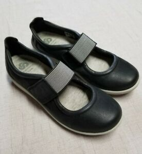 Women's CLOUD STEPPERS by CLARKS  black Mary Jane    Size 7-1/2 N  7.5 N