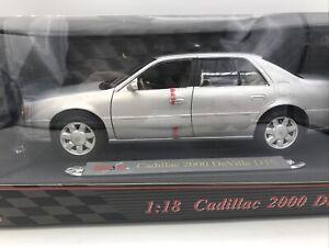 1/18 Maisto 2000 Silver Cadillac DeVille DTS JM Part # 31877