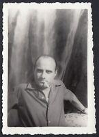 YZ2764 Tivoli (Roma) 1952 - Uomo con sigaretta in bocca - Fotografia d'epoca