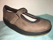 LN MBT Brown Smooth Suede Leather Mary Janes Size US 9.5