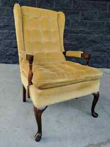 Vintage Queen Anne Tufted Fabric Wingback Slipper Arm Accent Chair Traditional