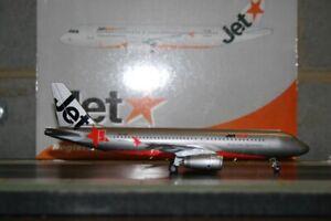 Phoenix 1:200 Jetstar Airbus A320-200 VH-JQL (20039) Die-Cast Model Plane defect