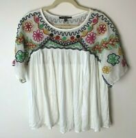 Romeo & Juliet Couture Women's Top Size Large Short Sleeves Floral Embroidered