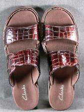 CLARKS BROWN PATENT LEATHER CROCO SANDALS SHOES SLIDES HEELS  SIZE  6.5 VGC