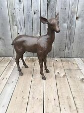 Bronce Cervatillo pequeño alerta Fawn con orejas Up fundido en bronce Baby Deer