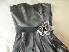 Vestido de fiesta por RED Arenque Edición Especial Malla Negra Sobre Seda Beige Tamaño 8