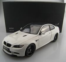 BMW m3 GTS dans Alpine Blanc KYOSHO échelle 1:18 neuf dans sa boîte NEUF