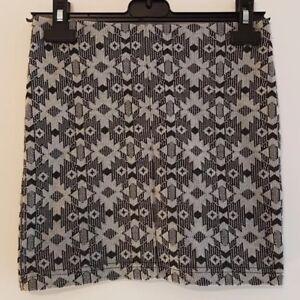 NEW LOOK Size 6 Skirt Black/White Stretch Bodycon Mini VGC Ladies Womens