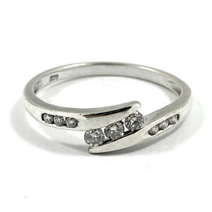 9ct 375 White Gold Ring With Natural 0.30cts White Diamonds Size P