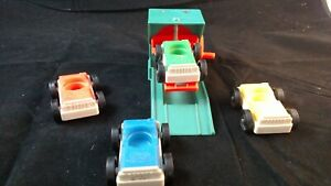 UNIQUE! Vintage Fisher Price Little People 2504 garage lift and 4 cars