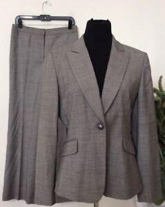 Tahari Women's Career Gray Viscose Blend 2 Piece Pant Suit Size 10 EUC