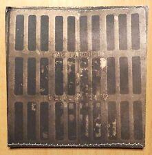 CD ALBUM / LOVE IS IN THE CARPET - ZAK LAUGHED / 1994
