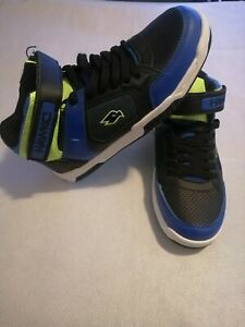 Tony Hawk Blue And Black Lace Up Shoes Boys' Size 6 New Without Box