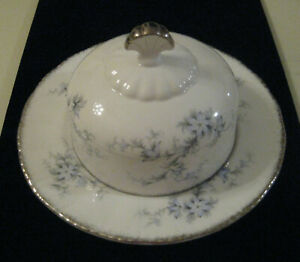 BRIDES CHOICE PARAGON CHINA ENGLAND, Round Covered Butter Dish