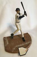 ICHIRO SUZUKI~MARINERS~2002 McFarlane Figure~MLB SERIES 1~LOOSE~w/ Sunglasses