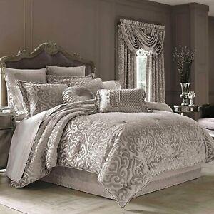 J. Queen New York Sicily King 4-Piece Comforter Set in Pearl