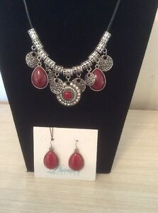Necklace/ Earring Set, Cayenne Color, Matt Silver Plated, New
