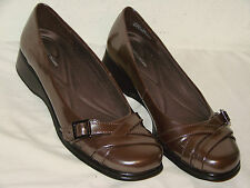 Naturalizer Womens Brown Metallic Wedge Loafer Shoe - Size 10M