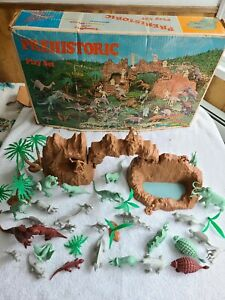 Vintage 1971 Marx Prehistoric Dinosaur Cavemen Play Set #3398 In Original Box