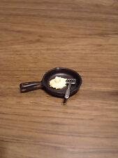 Black Frying Pan with Egg and Flipper  - New for Barbie/Monster High Diorama